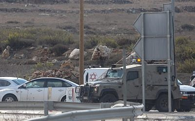 File: Israeli medical personnel arrive at the scene of a stabbing attack at the Tapuah Junction near the West Bank city of Nablus, on October 30, 2015. (Flash90)