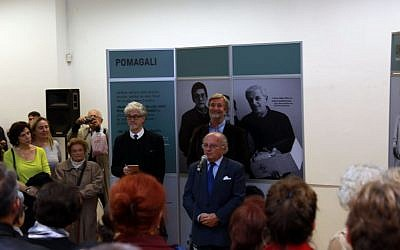 Jakob Finci speaking at the opening of Edward Serotta's exhibition, 'Survival in Sarajevo.' (Courtesy: Almas Bavcic)