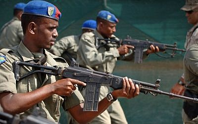 Djiboutian national police using the Israeli-made Galil assault rife during training on November 6, 2007, illustrative photo (Public Domain/US Navy/Wikimedia)