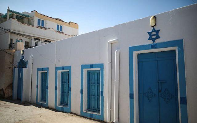A Star of David is seen outside the Synagogue of the Kohanim of Djirt, at Hara Kbira, the main Jewish neighborhood on the Island of Djerba, southern Tunisia, October 29, 2015. (Photo by AP Photo/Mosa'ab Elshamy)