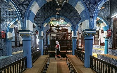 A tourist visits El Ghriba, the oldest synagogue in Africa, on the Island of Djerba, southern Tunisia, October 29, 2015. (AP/Mosa'ab Elshamy)