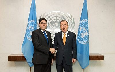 FILE: Israel's UN envoy, Danny Danon, poses with UN Secretary General Ban Ki-moon during a meeting on Monday, November 2, 2015 (Shahar Azran)