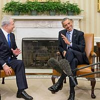 US President Barack Obama (right) meets with Prime Minister Benjamin Netanyahu in the Oval Office of the White House in Washington, November 9, 2015. (AP/Andrew Harnik)