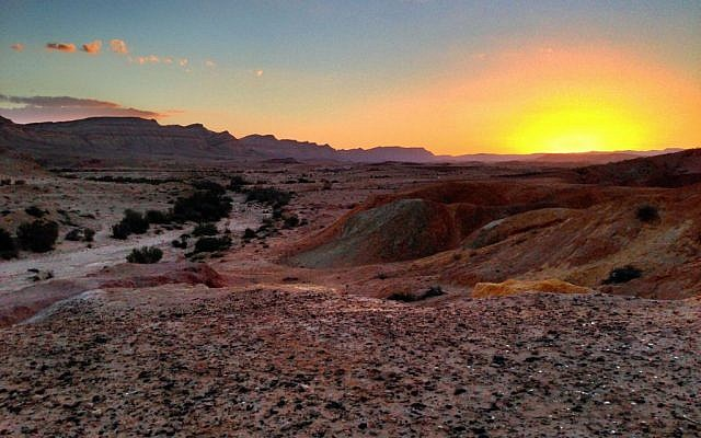 Sunset in the Negev Desert near Yeruham. (Wikimedia Commons/Matthew Parker)