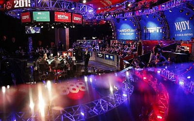 Play begins at the final table of the World Series of Poker Sunday, November 8, 2015, in Las Vegas. (AP/John Locher)