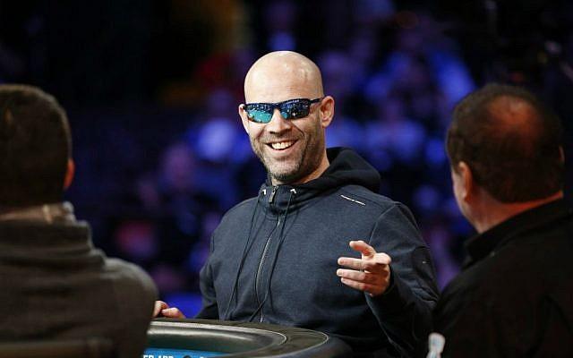 Ofer Zvi Stern motions before the start of the World Series of Poker Sunday, Nov. 8, 2015, in Las Vegas. (AP Photo/John Locher)