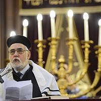Brussels' Grand Rabbi Albert Guigui speaks during a ceremony at Brussels' Great Synagogue on June 2, 2014, following the May 24, 2014 fatal shooting at the Jewish Museum in Brussels. (AFP Photo/Belga Photo/Laurie Dieffembaco)
