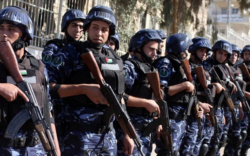 Illustrative: Palestinian police in the West Bank (Issam Rimawi/Flash90)