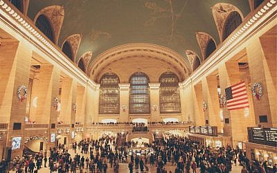 In a hurry at Grand Central Station (Pixabay)