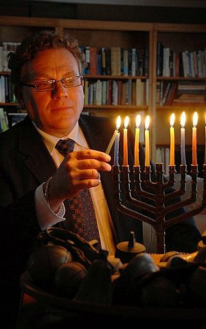 Larry Gillman, president of Beth Israel Synagogue, Peterborough, Ontario, Canada. (Courtesy)
