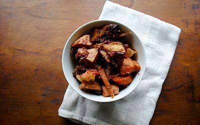 Thanksgiving Tzimmes Recipe (Rebecca Firsker/via JTA)