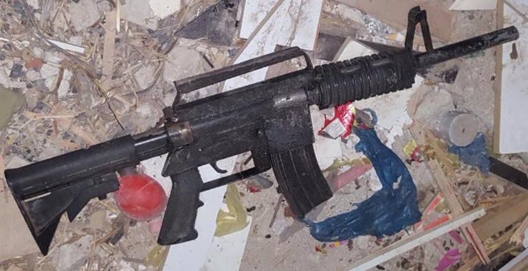 An M-16 assault rifle found in al-Zawiya by IDF troops during a night-time raid on November 26, 2015. (IDF Spokesperson's Unit)