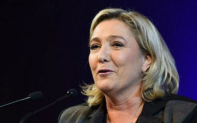 French far-right Front National (FN) party head Marine Le Pen delivers a speech during a campaign meeting in Nimes on December 2, 2015 ahead of regional elections. (AFP/Pascal Guyot)