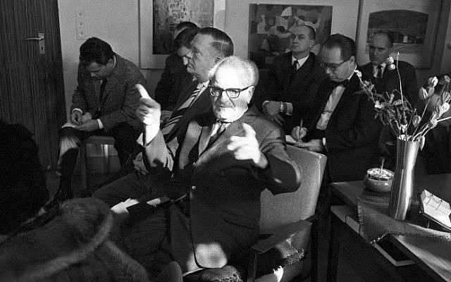 This file photo taken on February 13, 1964 shows German general prosecutor Fritz Bauer (C) giving a press conference on the death of so-called Euthanasie Professor, German psychiatrist and Nazi Werner Heyde. (AFP/DPA/ROLAND WITSCHEL)