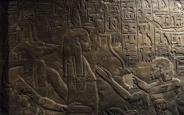 A picture shows a relief inside the tomb of Maia, the wet-nurse of legendary Egyptian boy king Tutankhamun, in Saqqara, about 35 kilometers south of Cairo on December 20, 2015. (AFP/KHALED DESOUKI)