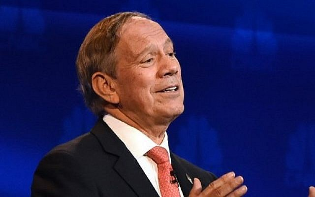 George Pataki, October 28, 2015. (AFP PHOTO/ ROBYN BECK)
