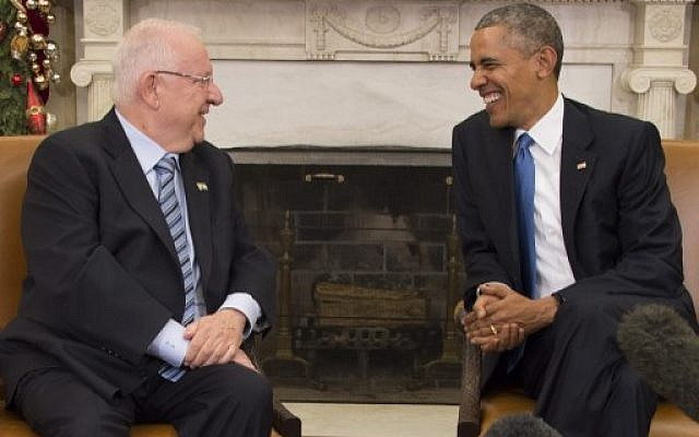 US President Barack Obama talks with Israeli President Reuven Rivlin during a bilateral meeting at the White House in Washington, DC, December 9, 2015. (Photo by AFP Photo/Jim Watson)