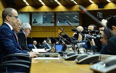 Members of the international press and media at the IAEA Board of Governors Meeting in Vienna, Austria, on 15 December 2015. (Dean Calma/IAEA)