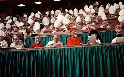 Catholic Bishops at the Second Vatican Council in Rome, 1965. (CC BY-SA, Wikimedia commons)