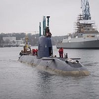 The INS Rahav, a Dolphin class made by German shipbuilder ThyssenKrupp, sets off from the German port of Kiel toward Haifa, December 17, 2015. (IDF Spokesperson's Unit)