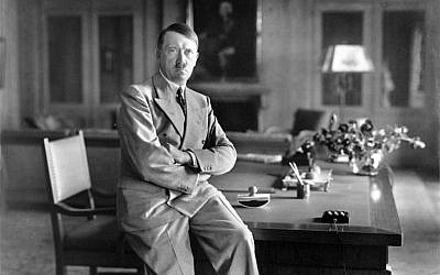 Adolf Hitler, sitting on a secret, 1936. (Bundesarchiv, Bild 146-1990-048-29A/Heinrich Hoffmann/CC-BY-SA 3.0)