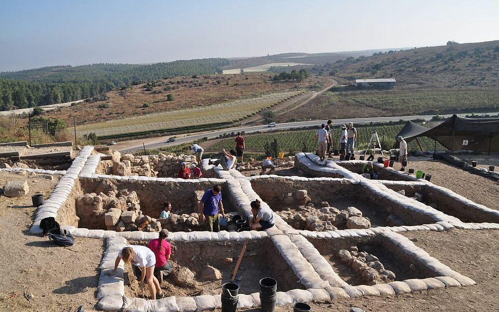 Archaeologist: Thick wall found at Lachish indicates King Solomon's son built it