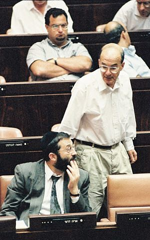 Yossi Sarid and Aryeh Deri speak in the Knesset, Sept. 27 1993. (Photo: Flash 90)