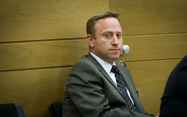Ari Harow, former chief of staff of Prime Minister Benjamin Netanyahu, at a Likud meeting in the Israeli parliament, November 24, 2014. (Miriam Alster/Flash90)