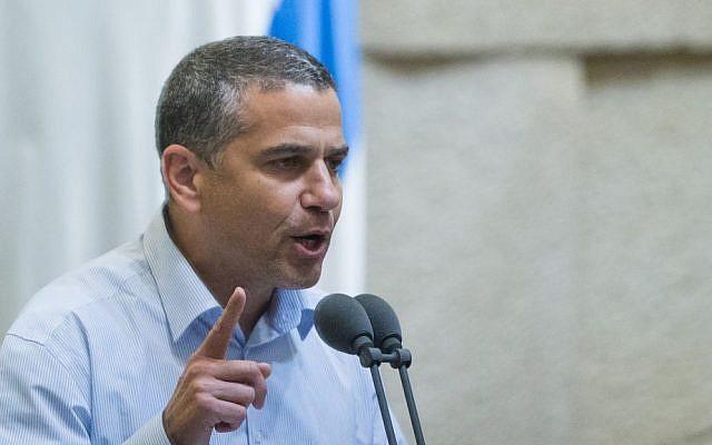 Former Jewish Home MK Yinon Magal speaks at the Knesset on November 24, 2015. (Yonatan Sindel/Flash90)