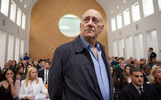 Former prime minister Ehud Olmert seen at the Jerusalem Supreme Court on December 29, 2015. (Photo by Emil Salman/POOL)