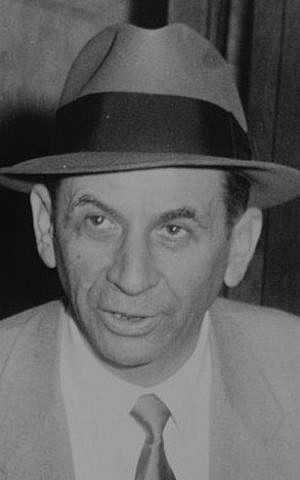 Meyer Lansky at a New York City police station, where he is being booked for vagrancy, 1958 (Wikimedia Commons/JTA)