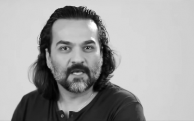 Iranian singer and poet Yaghma Golrouee in his song 'Shere Rahai' (screen capture: YouTube)