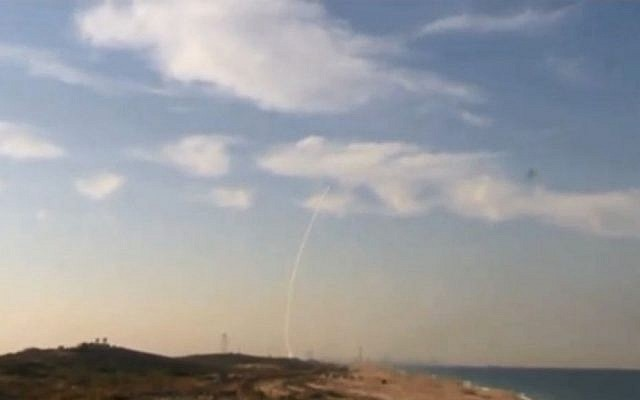 Operators launch the Arrow 3 missile to test the system's ability to intercept ballistic missiles in space on December 10, 2015. (Screen capture)