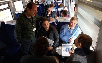 Entrepreneurs pitch to investors aboard the MoneyTrain Tuesday (Courtesy)
