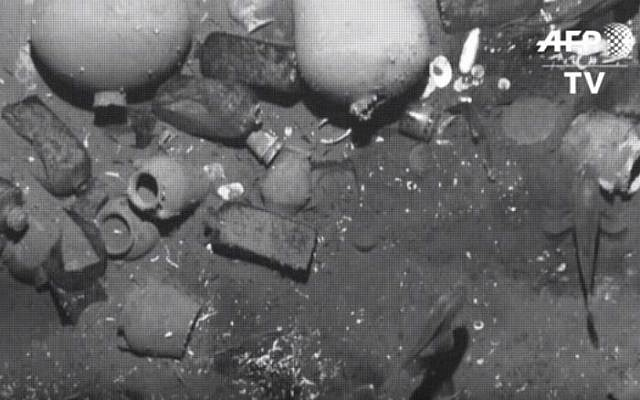 Items from the Spanish treasure galleon San Jose, recovered 300 years after it was sunk by British ships. (AFP/YouTube screenshot)