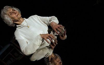 Hungarian holocaust survivor Eva Fahidi, 90, performs on stage at the Vigszinhaz theater in Budapest on 15 January, 2016 (Peter Kohalmi/AFP)