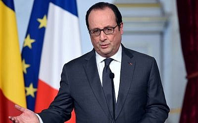 French President Francois Hollande speaks to the media on January 20, 2016 at the Elysee Presidential Palace in Paris. (AFP/Stephane de Sakutin)
