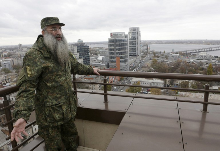 Asher Cherkassky standing of the roof of a Jewish center in Dnipropetrovsk, Ukraine on November 11, 2015 (Anatoli Stepanov/AFP).