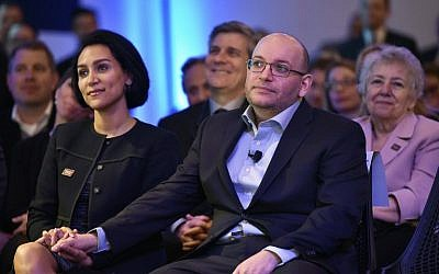 Freed Washington Post Tehran bureau chief Jason Rezaian (center) sits with his wife Yeganeh Salehi (left) during the inauguration of the Washington Post headquarters in Washington, DC, on January 28, 2016. (AFP/Mandel Ngan)