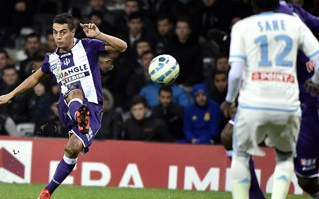 Toulouse's French Tunisian forward Wissam Ben Yedder kicks the ball during the French League Cup football match between Toulouse and Marseille (OM) on January 13, 2016 at the municipal stadium in Toulouse, southwestern France. (Pascal Pavani/AFP)