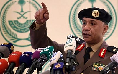 Saudi Interior Ministry's spokesman Mansur al-Turki gestures during a news conference at the Saudi Officers club in Riyadh, on January 2, 2016, following the execution of 47 people convicted of 'terrorism,' including prominent Shiite cleric Nimr al-Nimr. (AFP PHOTO/FAYEZ NURELDINE)