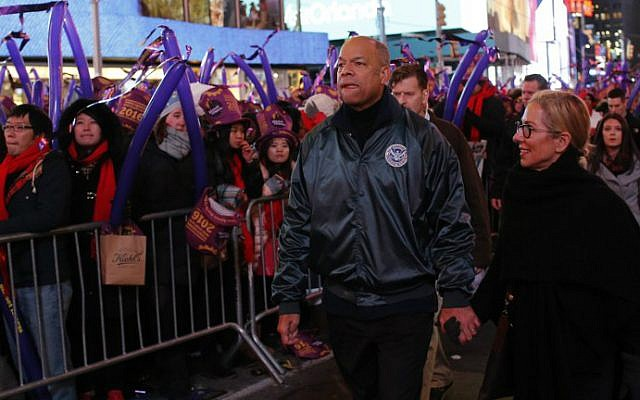 US Secretary of Homeland Security Jeh Johnson is on hand for celebrations at Times Square on January 1, 2016 in New York City. (Eduardo Munoz Alvarez/Getty Images/AFP)