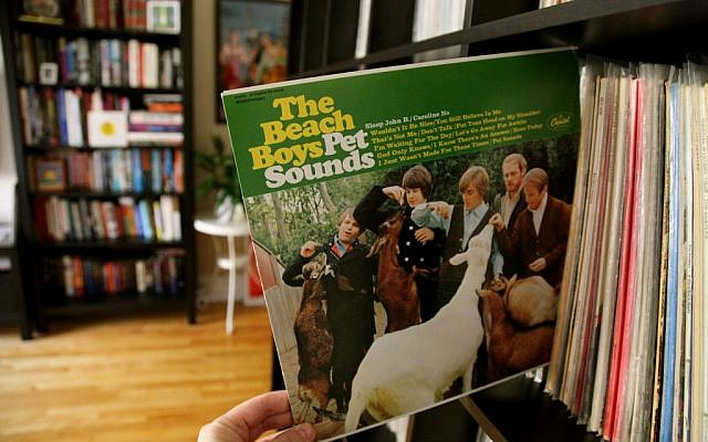 Pet Sounds by The Beach Boys in its original LP Vinyl (HayeurJF/Flikr CC BY-SA 2.0)