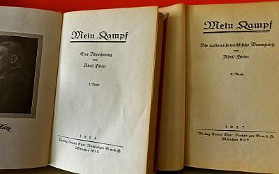The first page of the two volumes of an early edition of 'Mein Kampf' (Institut für Zeitgeschichte/Alexander Markus Klotz)