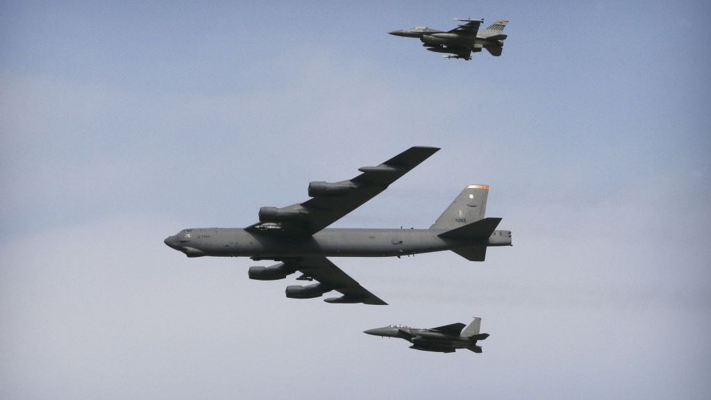 United States  ready to put nuclear bombers on 24-hour alert