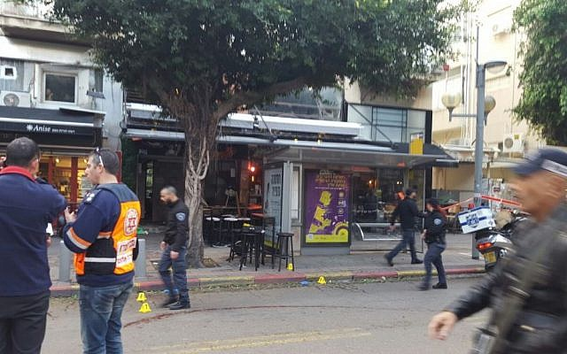 Paramedics on the scene of a shooting in central Tel Aviv on January 1, 2016. (Magen David Adom)
