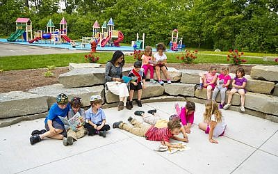American Jewish day school students studying outside. (Courtesy of Hillel Day School/JTA)