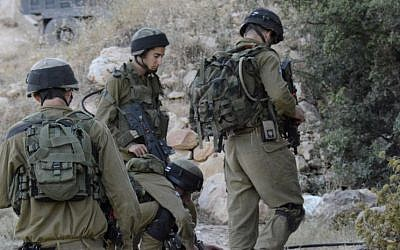 Illustrative photo of IDF soldiers in the West Bank (IDF Spokesperson's Unit/Flash90)