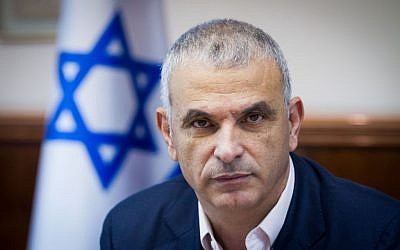 Finance Minister Moshe Kahlon at a meeting at the Prime Minister's Office in Jerusalem, January 4, 2016. (Miriam Alster/Flash90)