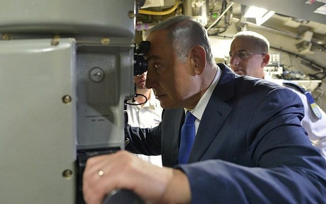 Prime Minister Benjamin Netanyahu aboard the new submarine 'Rahav' at the Israeli navy base in Haifa, on January 12, 2016. (Kobi Gideon/GPO)